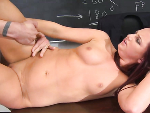 Cumshot On The Tits Of Pornstar Hope Howell