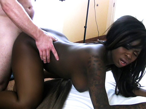 Curvaceous Black Amateur Enjoys A Hot Interracial Fuck
