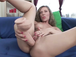 Solo Girl Has All The Toys She Needs To Cum
